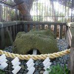 安房口神社の巨石,ご神体