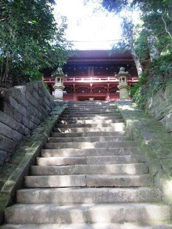 神武寺の楼門