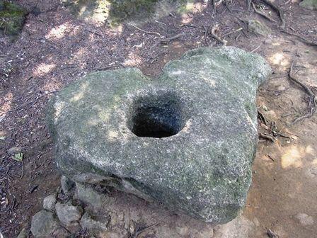 神武寺,高取山の巨石