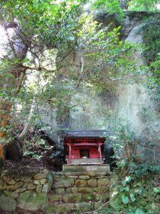 石老山の飯綱権現神社