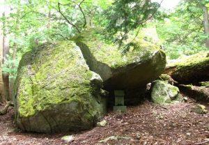 深沢大石神社,奥宮の巨石